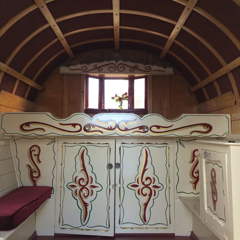 Gypsy Bow Top Caravan Bath Vintage Hire